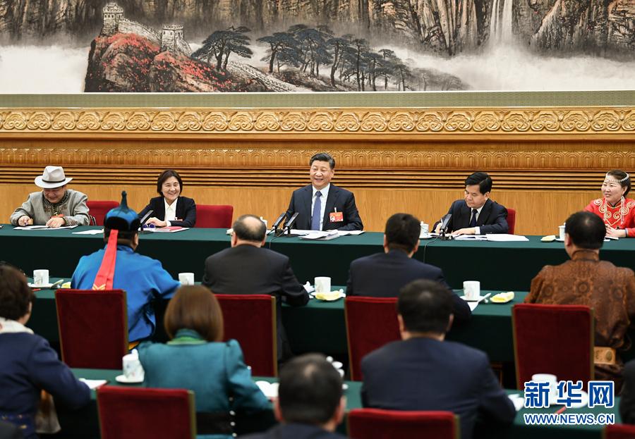 3月5日,中共中央总书记、国家主席、中央军委主席习近平参加十三届全国人大二次会议内蒙古代表团的审议。 新华社记者 谢环驰 摄